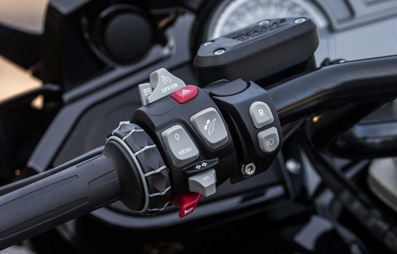 motorbike handlebar controls