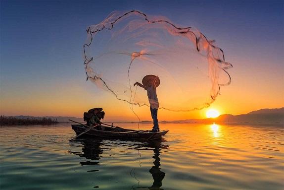 casting fishing net