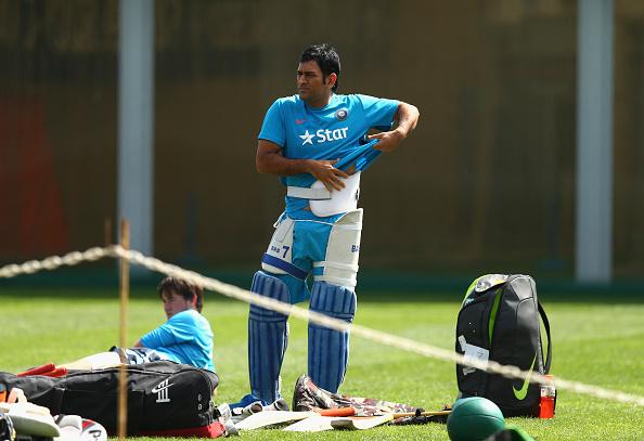 Cricket-Guards,