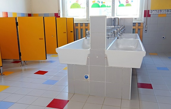 School-Bathrooms-Flooring