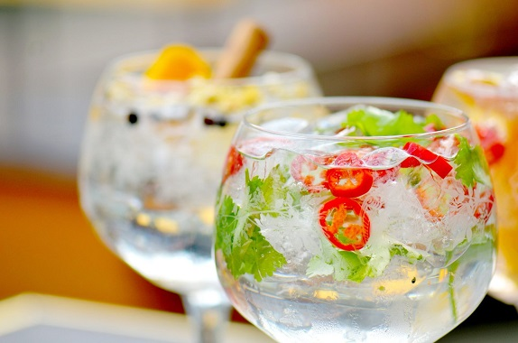 well decorated summer gin