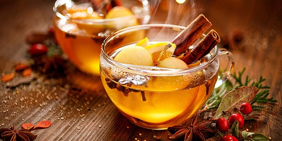 apple and cinnamon winter gin