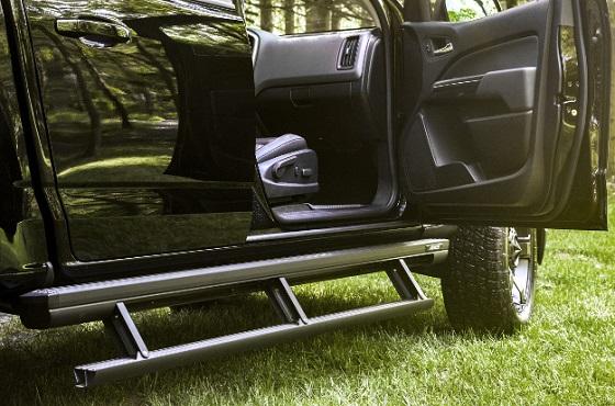 side step on vehicle